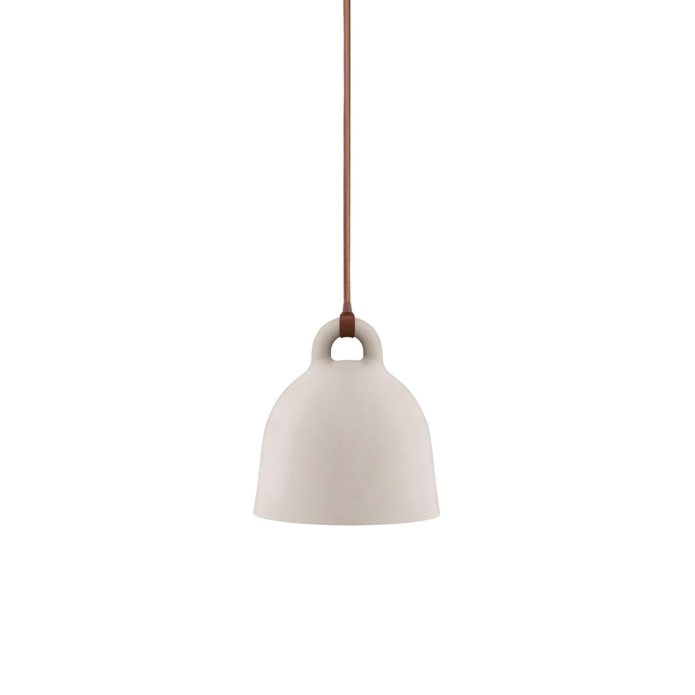 Bell lampe fra Normann Copenhagen fås i 2 farver