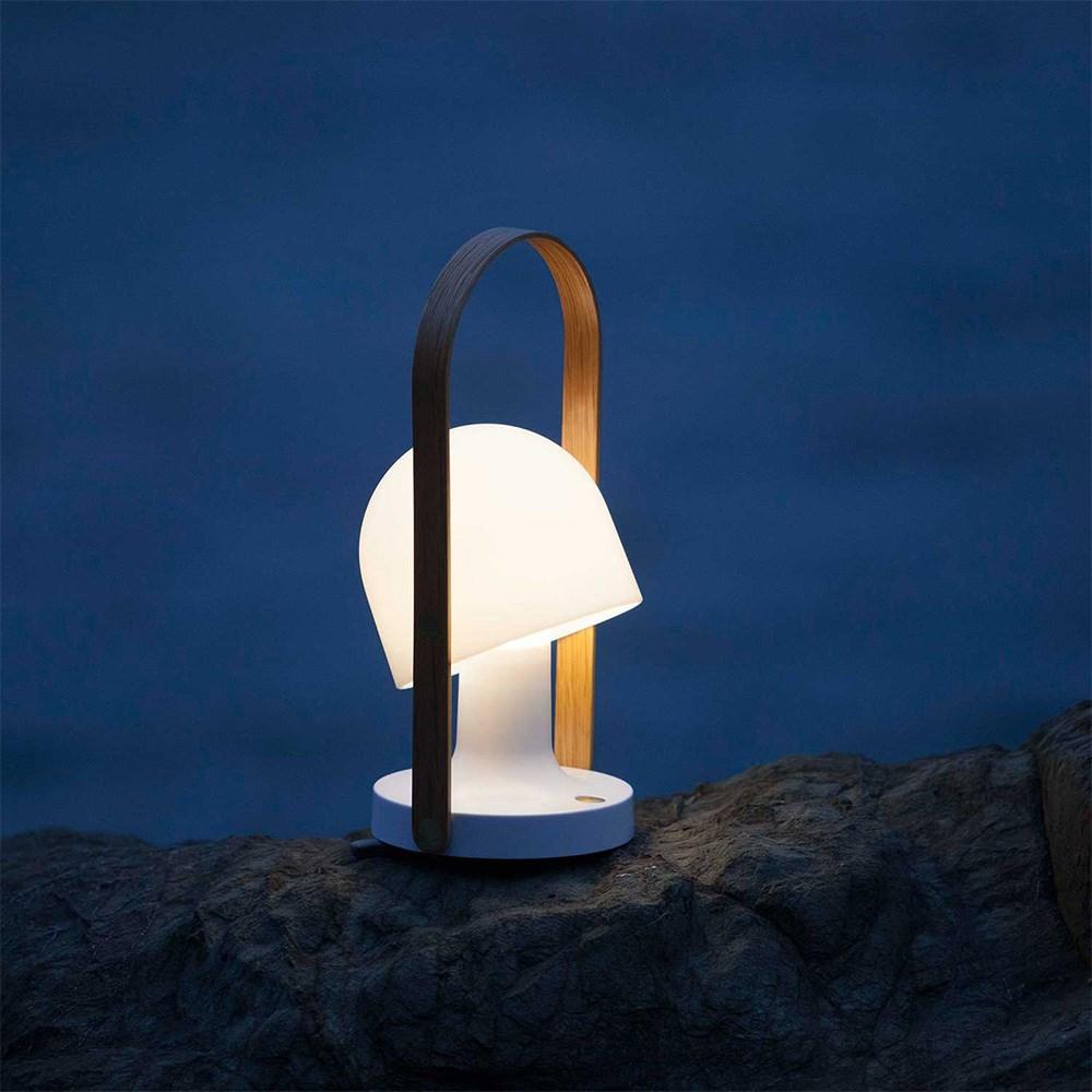 follow me bordlampe k b genopladelig lampe fri fragt. Black Bedroom Furniture Sets. Home Design Ideas