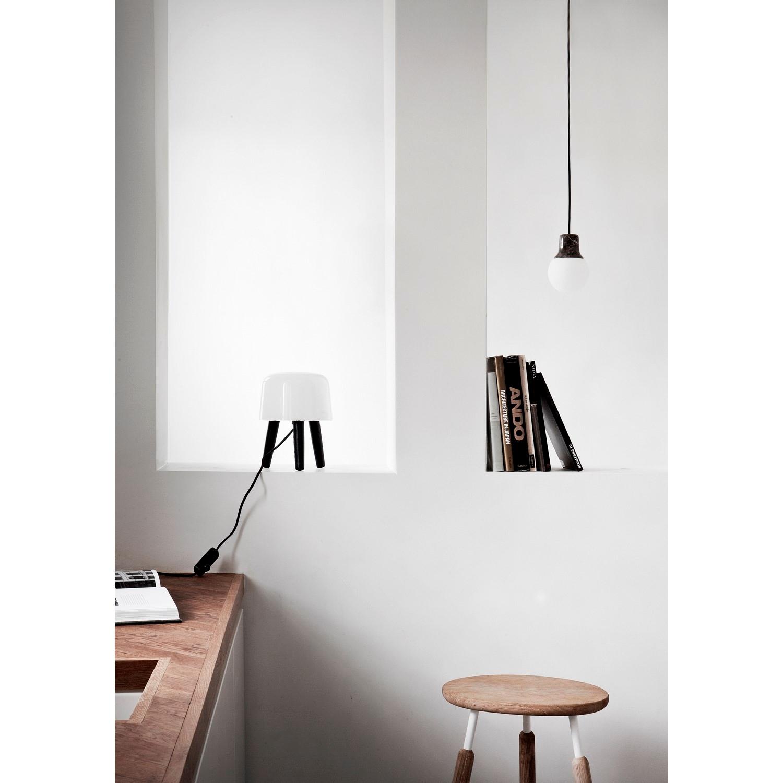 Milk bordlampe fra andtradition   køb lamper her
