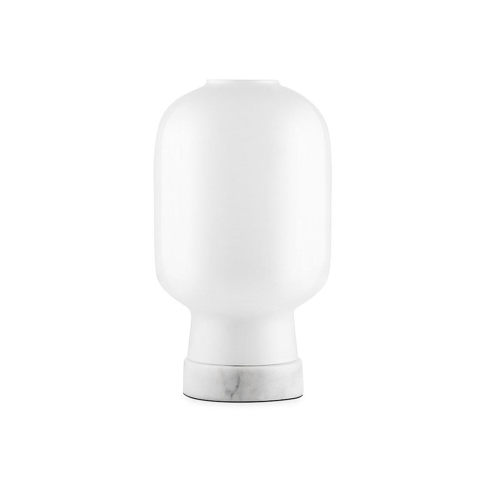Normann Amp Bordlampe i hvid Kob design lampe her