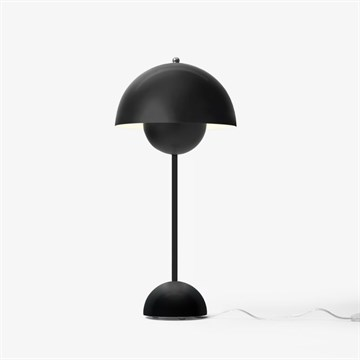 Verner Panton Flowerpot VP3 bordlampe fra Andtradition i mat sort