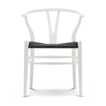Carl Hansen CH24 lakeret bøg med Sort flet natural white