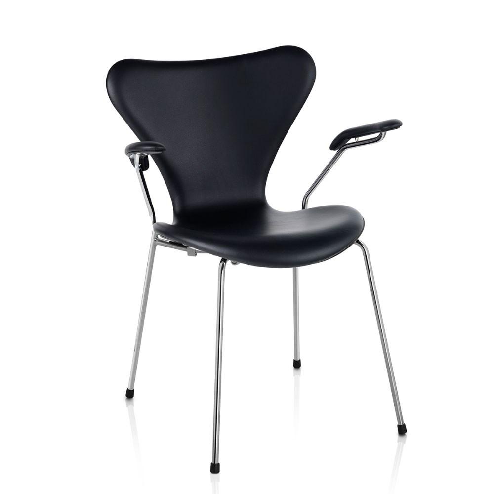 7 er stol 7´er Stol 3207 med armlæn fra Fritz Hansen   Køb Syveren her 7 er stol