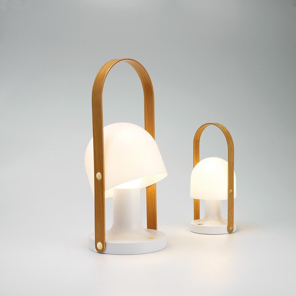 Seneste Follow Me Bordlampe - Køb genopladelig lampe - Fri Fragt YI45